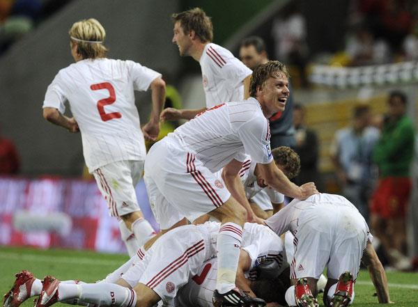 Jubel efter danske sejrsmål mod Portugal sep 2008