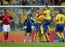 Svensk jubel efter 0-2 målet mod Danmark 2007