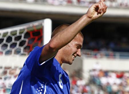 Martin Vingaard efter scoring mod Polen 2008